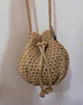 Pack bolsa tejida como nueva  ⭐Aretes y collar⭐