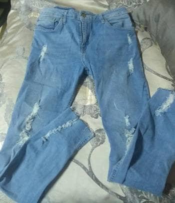 Pantalon semi nuevo