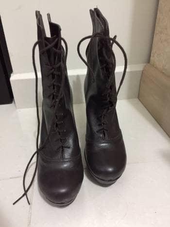 Botas de piel color cafe