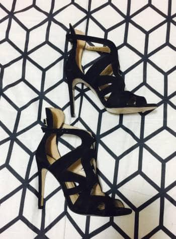 Sandalias Negras Terciopelo Tacón Aguja Zara