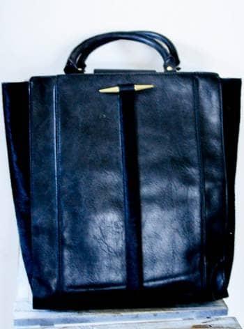 Bolsa negra con pelo