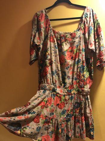 Vestido floral con resorte