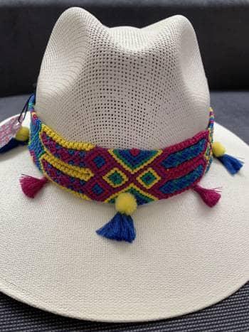 Sombrero huichol