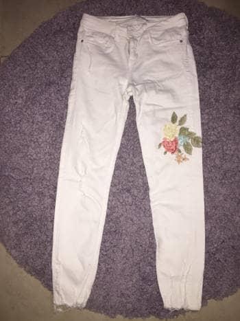 Zara basic, jeans blancos