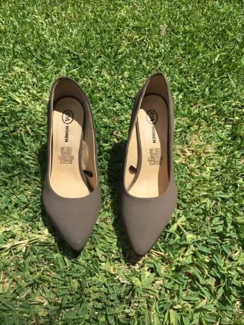 Zapatillas color gris
