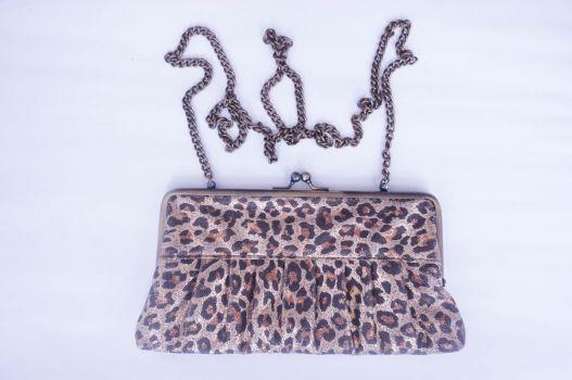 Bolso de leopardo.