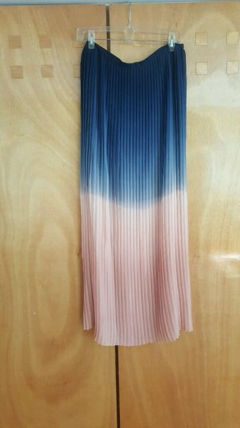 Falda vaporosa plisada