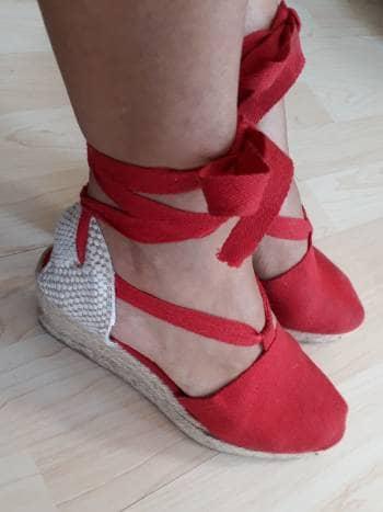 Alpargatas españolas rojas