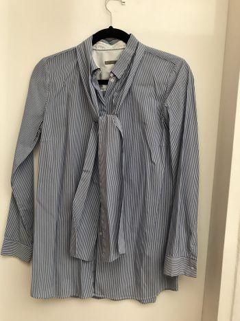 Camisa a rayas con corbatin Uterque