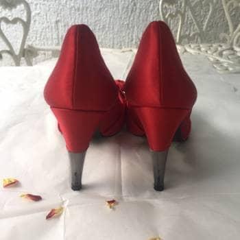 e09fc4f8 Zapatos tacón en satin rojo - Zara - GoTrendier - 689644