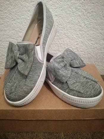 Zapatos casuales con moño