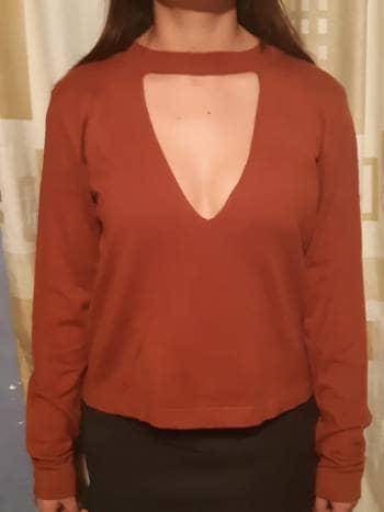 Suéter con escote profundo