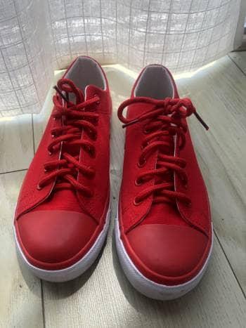 Tenis rojos hermosos!