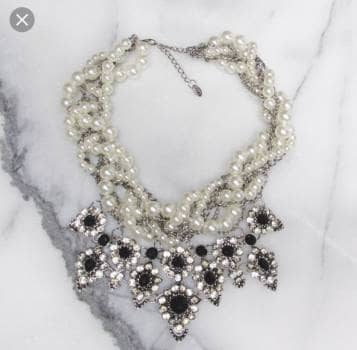 Collar perlas de fiesta