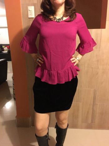 Blusa rosa manga 3/4 con volantes hermosa