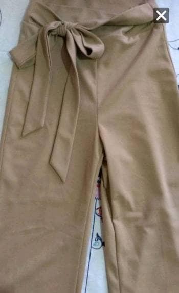 Pantalon culotte beige DISPONIBLE