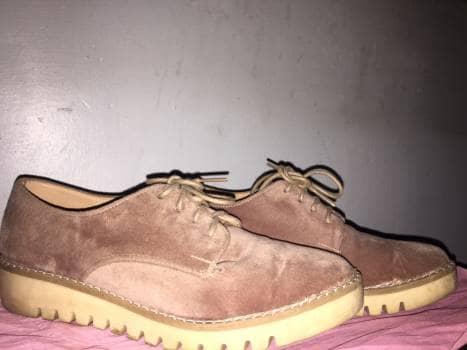 Zapatos rosas claro de gamuza