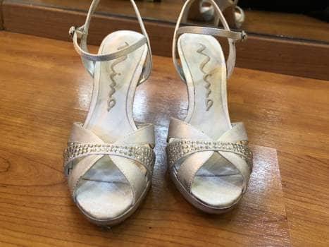 Zapatos plateados nina
