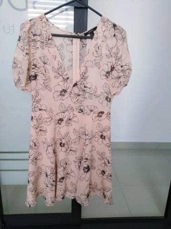 Vestido floral vaporoso