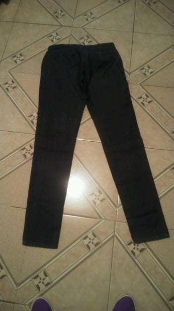 Jeans corte colombiano.