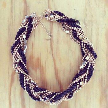 0ec7a31c4b41 Collar negro con dorado - GoTrendier - 9168
