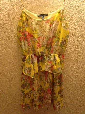 Vestido floral amarillo