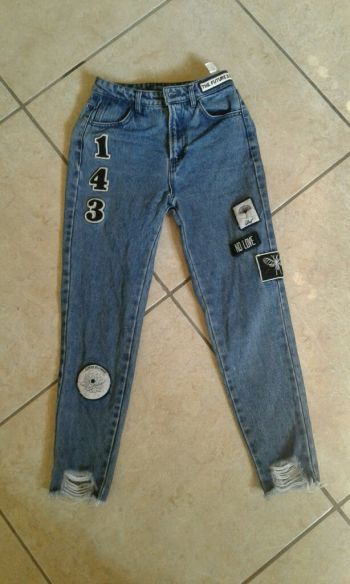 Pantalon MOM parches  DENIM Pull & Bear