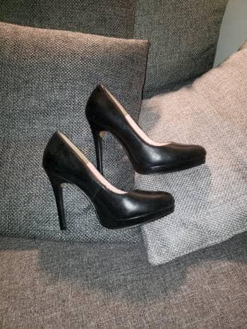 Zapatillas  negras clasicas